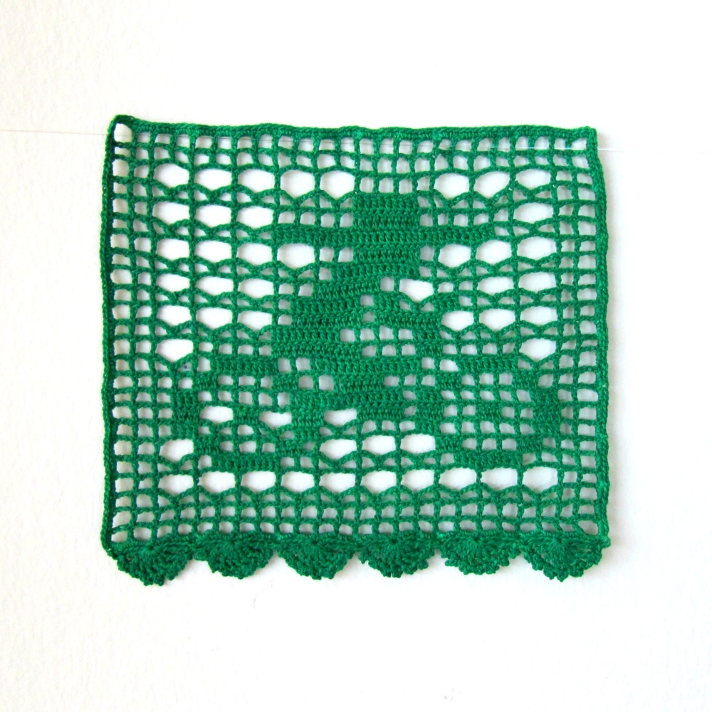 Filet Crochet Pattern for Day of the Dead Bunting