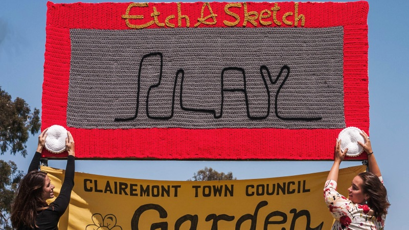 Epic New Yarn Bomb Collaboration: Etch-A-Sketch
