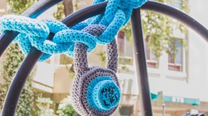 Chain + Padlock