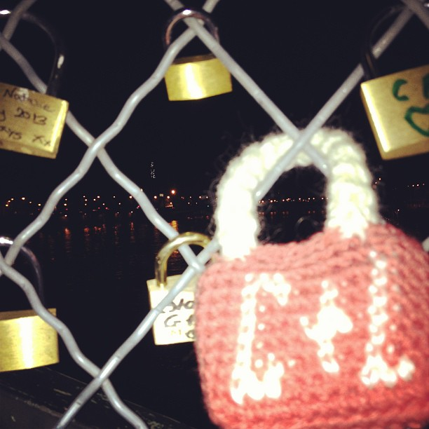 Yarn bomb padlock in Paris