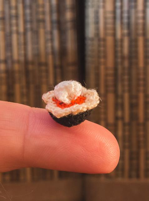 micro crochet pumpkin pie