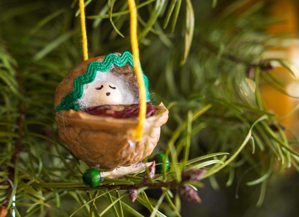 Walnut baby ornament tutorial