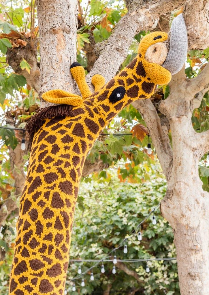 Knitting the Commons San Francisco Giraffe Yarn bomb by Knits for Life