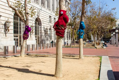 Knitting the Commons: Octopuses